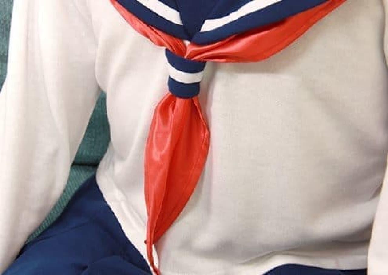 え?スカーフ結ぶのって、そんなに難しい?
