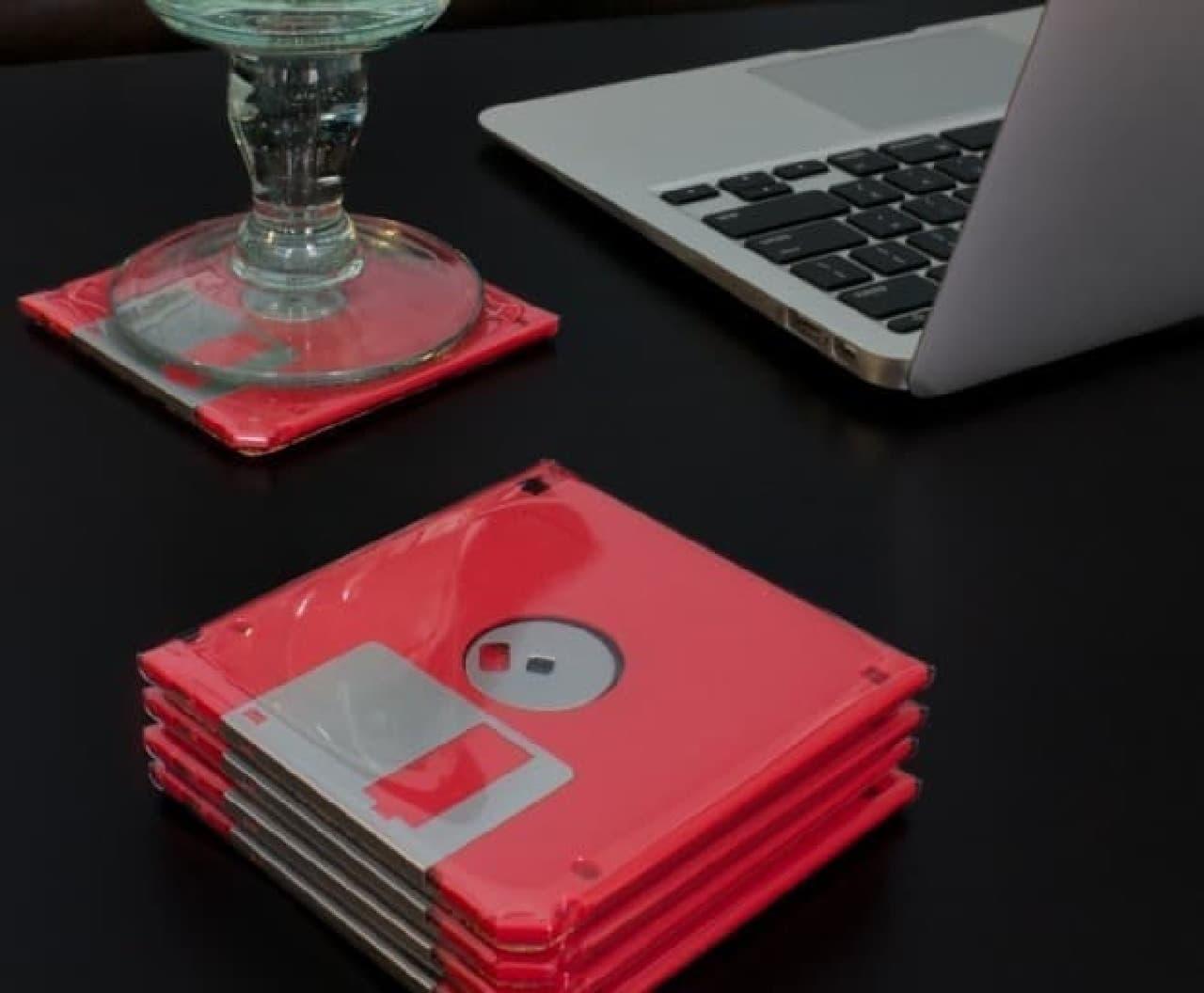 FDを利用して作ったコースター 「Floppy Disk Coasters」  お父さん、いつもありがとう!