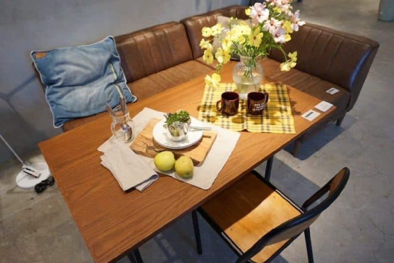 ソファとダイニングテーブルを一緒に置ける
