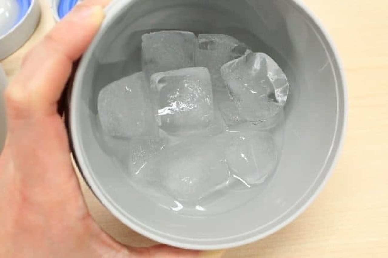 上段はちょっととけましたが、氷も健在  なるべくたくさん入れたほうがとけにくいかも