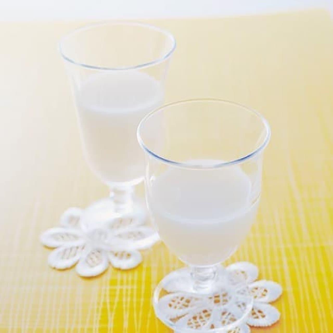 お米と糀、酵母だけで造る発酵飲料「どぶろく」  味は現代風にアレンジされているとのこと