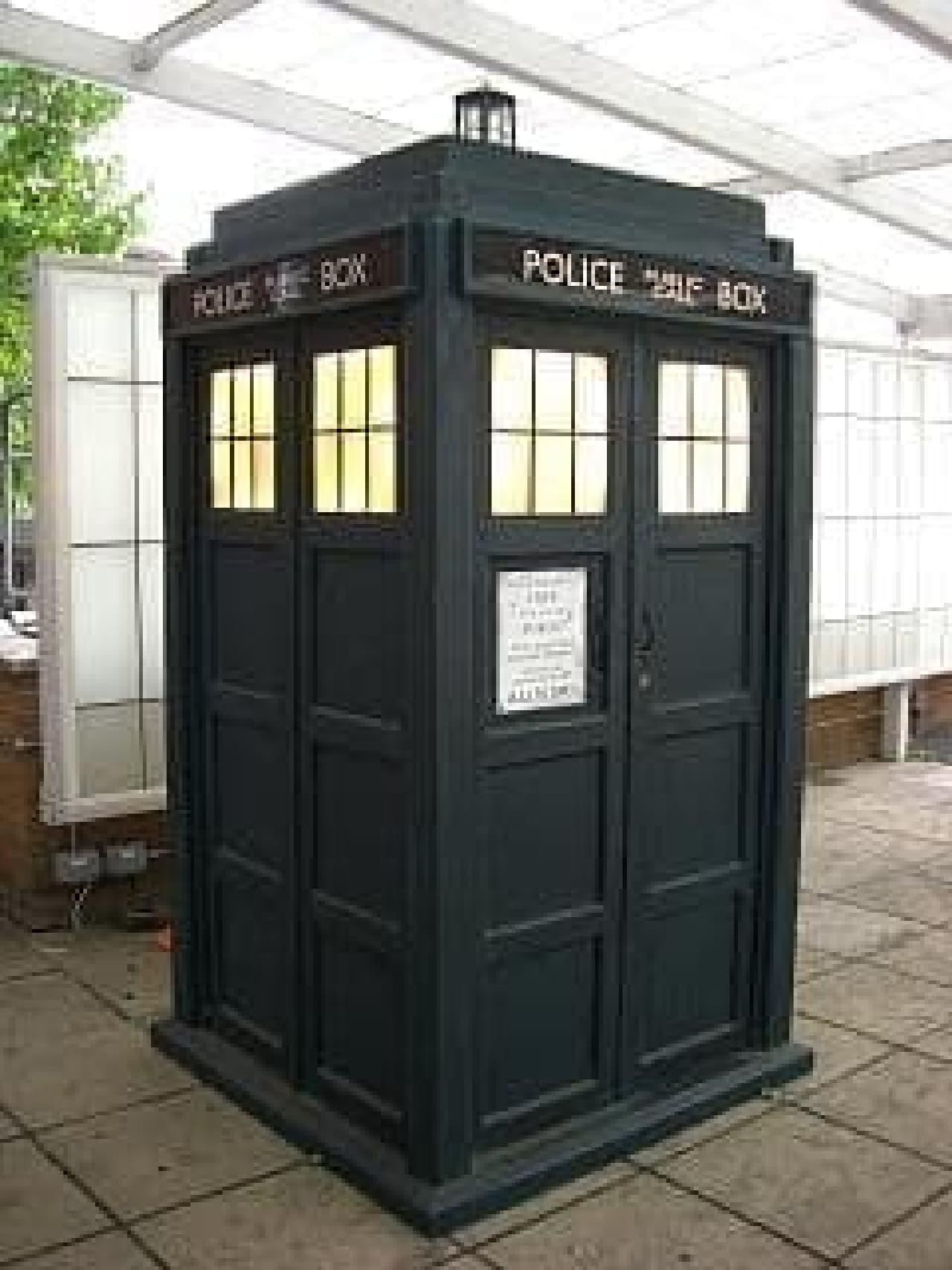 参考画像:『ドクター・フー』に登場する「TARDIS」