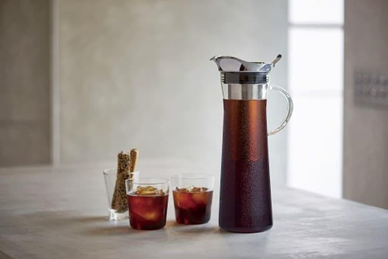 必要なのはコーヒー粉と水、それに時間