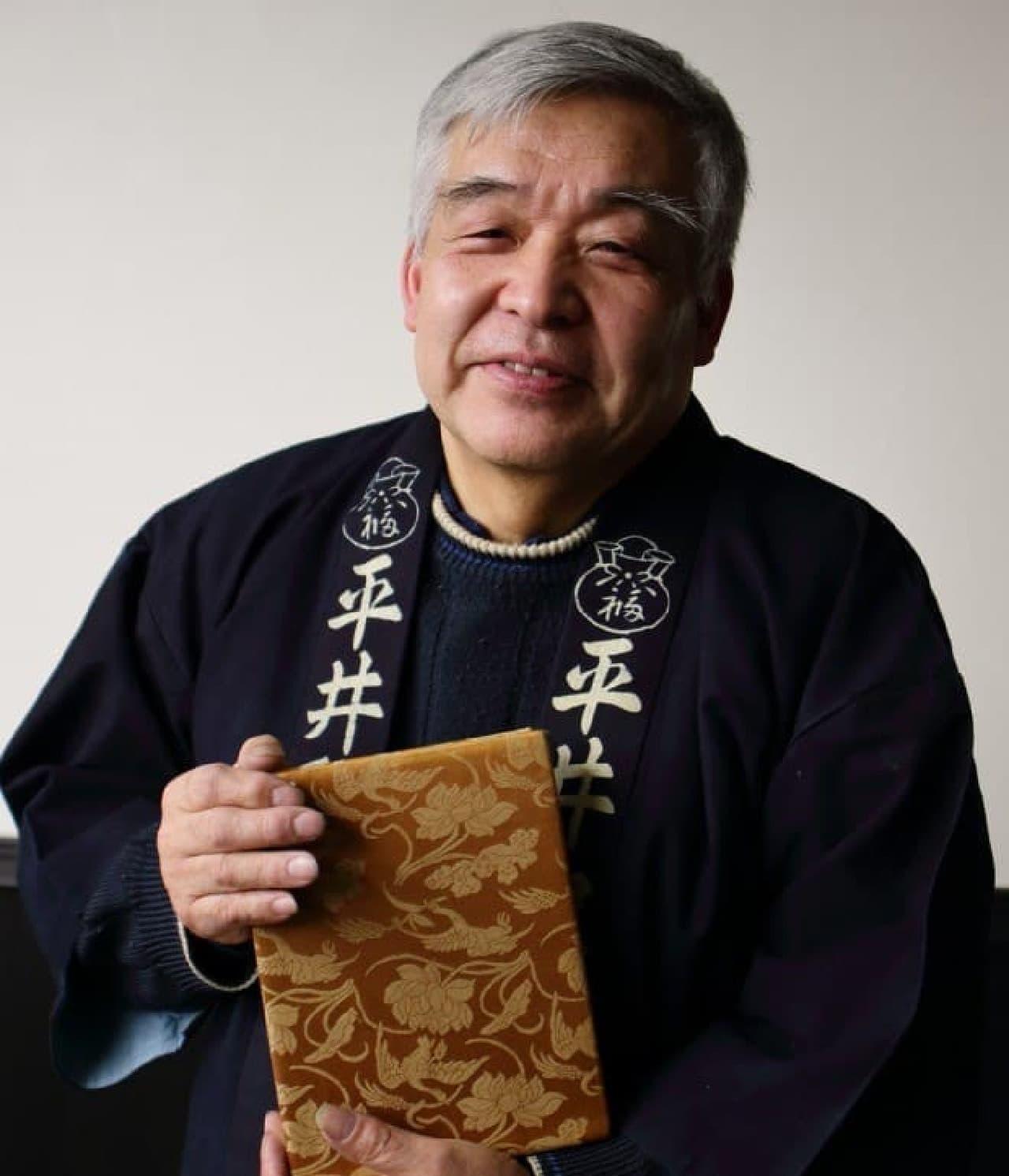 「納経帳」を製造する経師 森田 曉氏