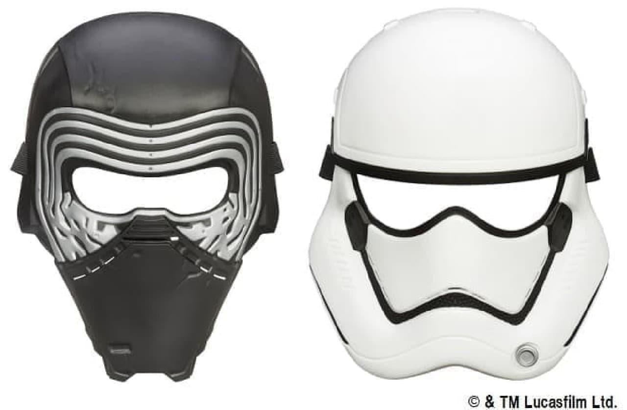 カイロ・レン(左)とストームトルーパー(右)のマスク