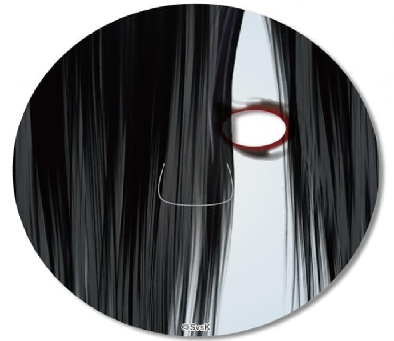 顔を覆う髪の毛を表現した「貞子」フェイスパック