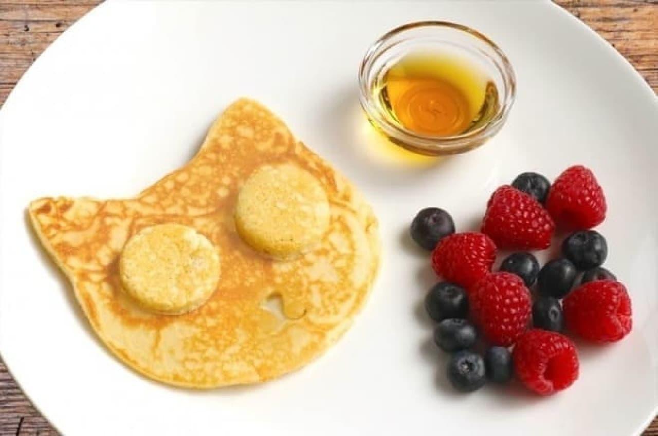 「エッグ モールド キャット」での調理例:パンケーキ