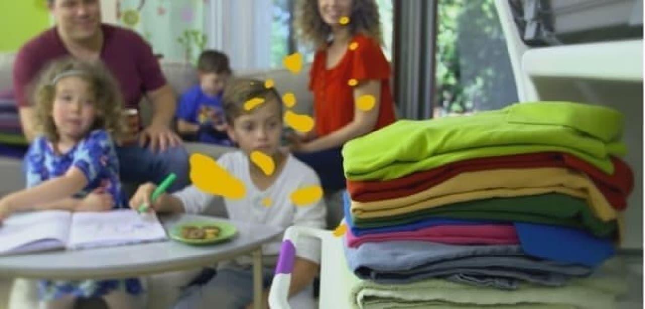自動洗濯物畳み装置「FoldiMate」使用手順5