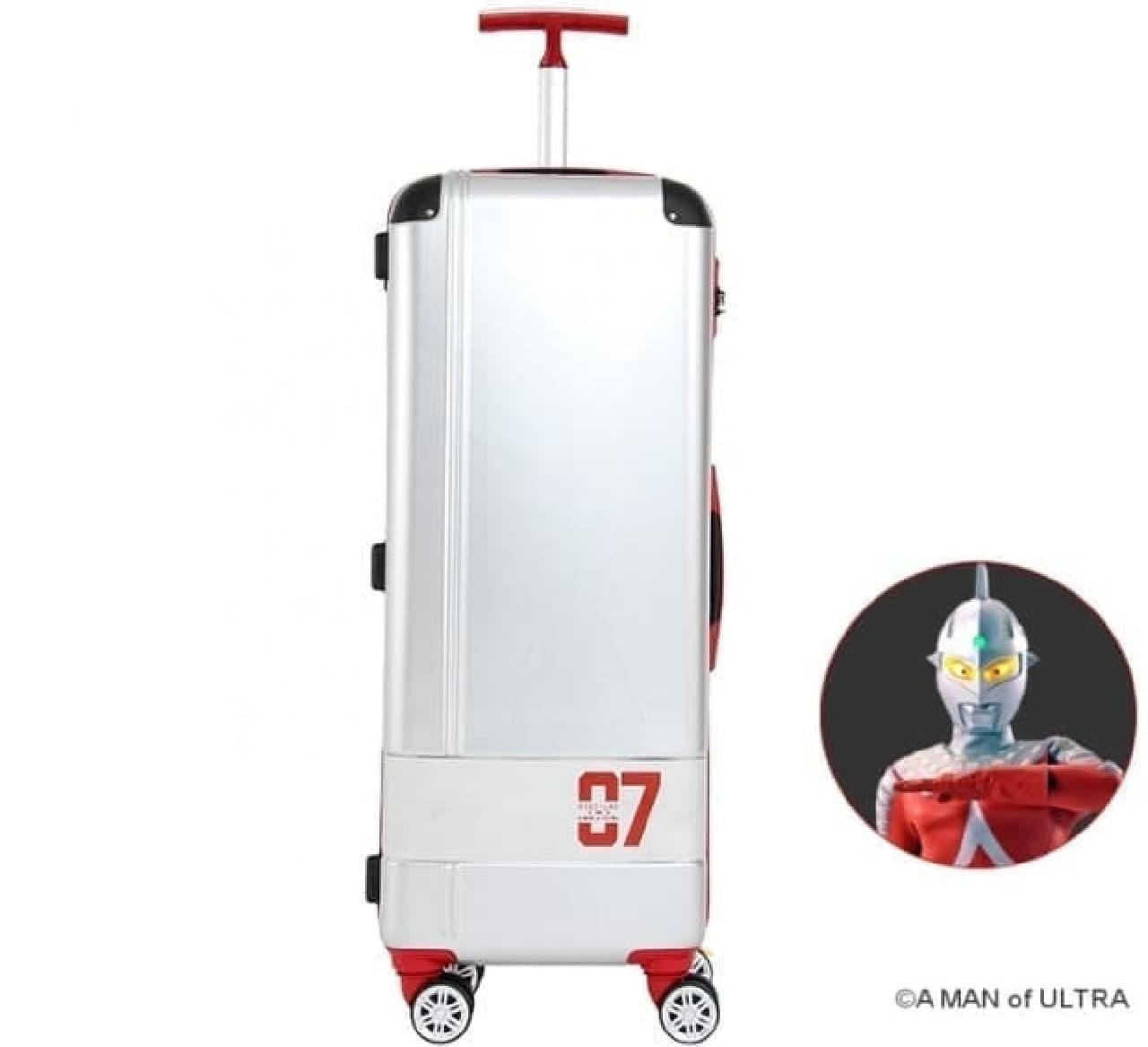 改札口を通りやすい細身のスーツケース「スリムスーツケース A MAN of ULTRA」