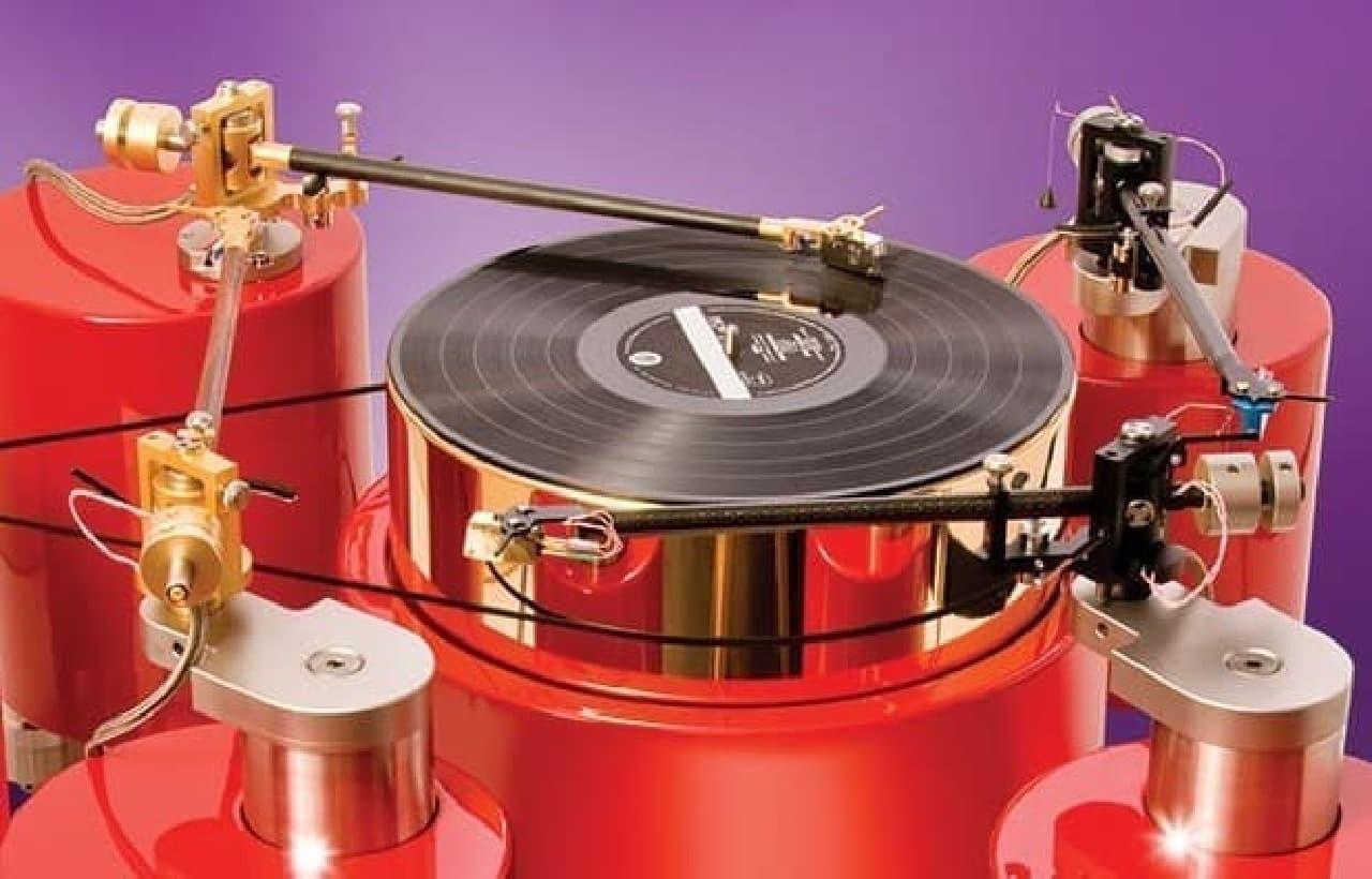 「Quad Calibrated Turntable」4本のアーム