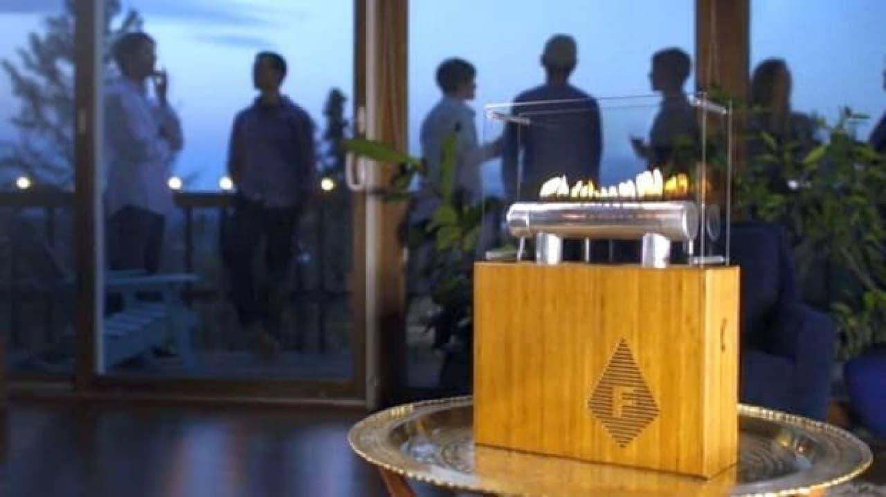 音楽に合わせて炎が踊るBluetoothスピーカー「Fireside Audiobox」