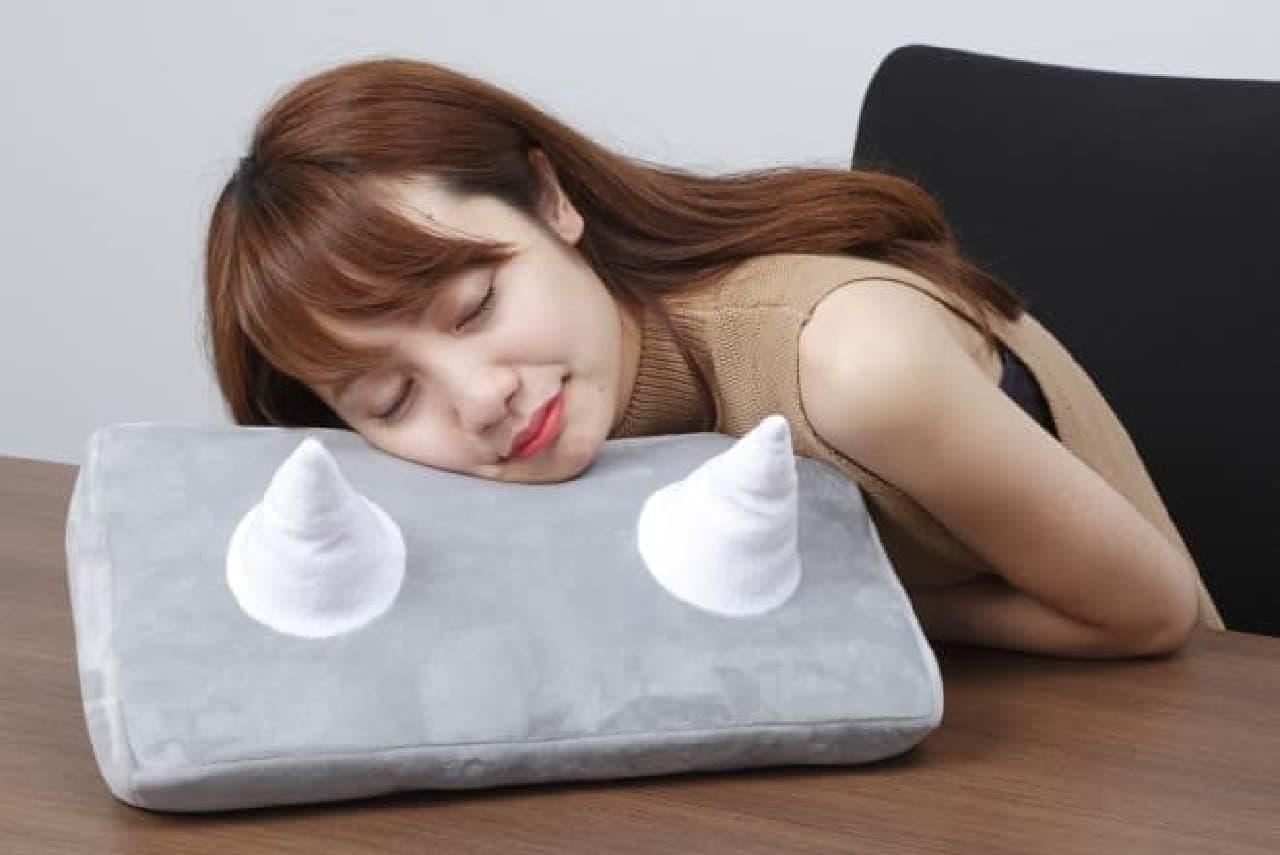 「ひとやすみ腕枕(アームピロー)」ジャンクマン