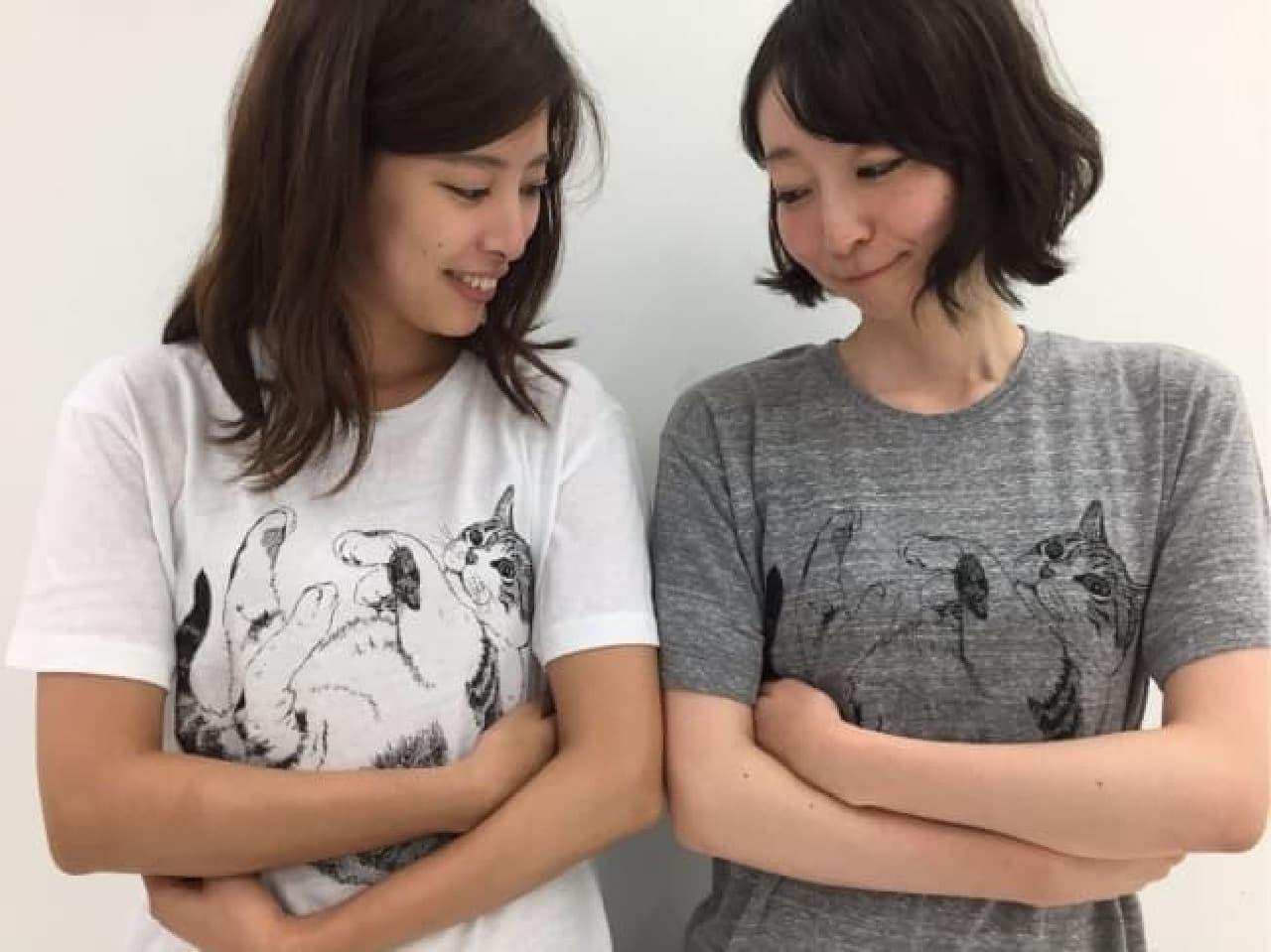 YOU+MORE! 腕を組むとギュッ! 猫抱っこTシャツ