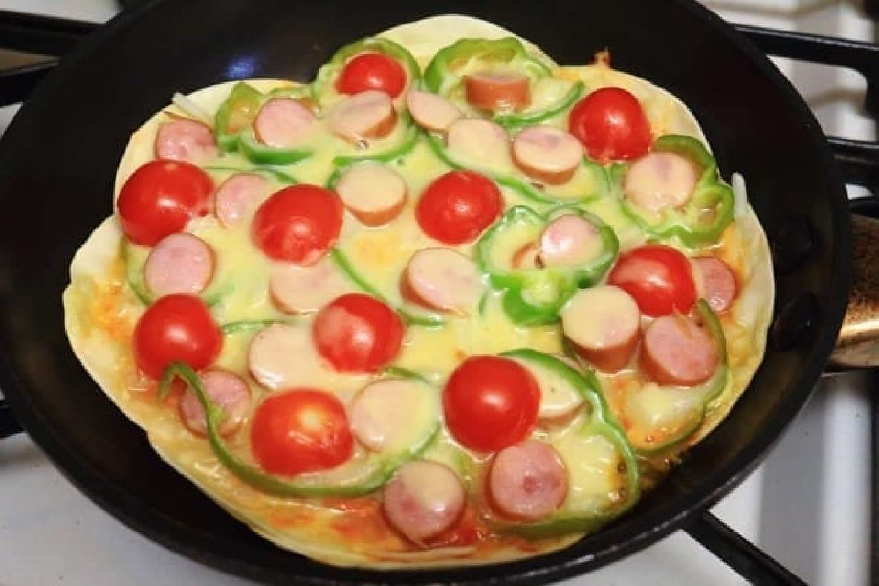 餃子の皮のアレンジレシピ「ピザ」