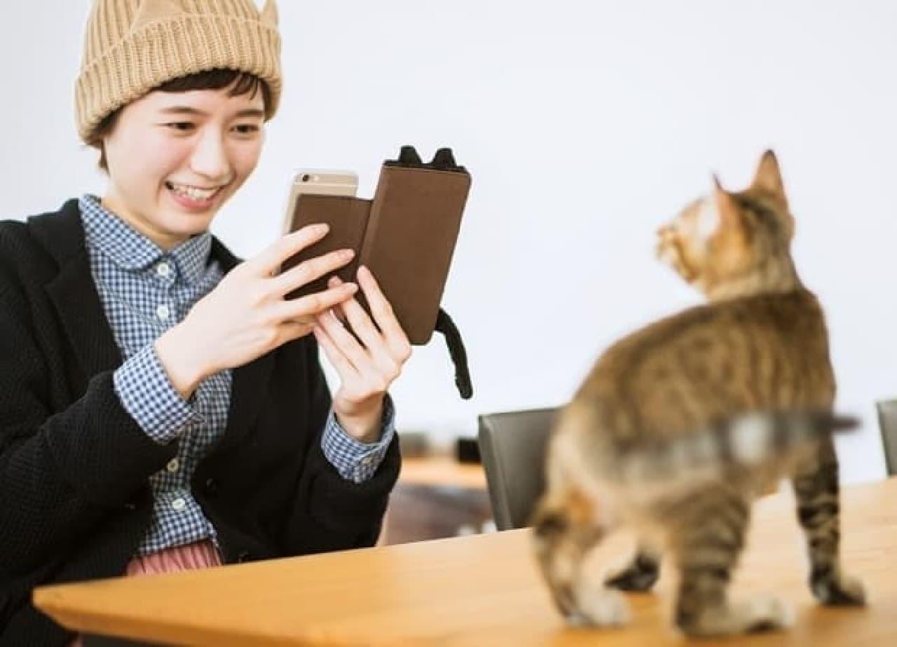猫しっぽマフラー スマートフォンカバー」、フェリシモ猫部