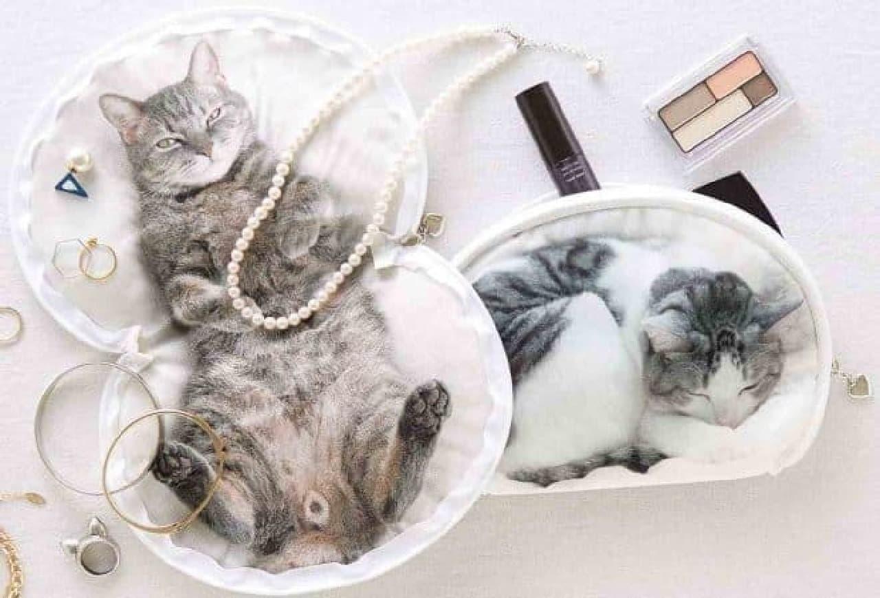うだまさんちの猫たちとコラボした「パッカーン!っと猫の開きポーチ パート2」