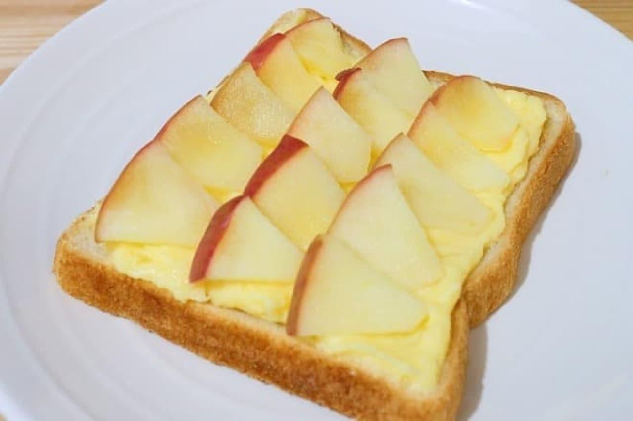 アップルパイ風カスタードトースト