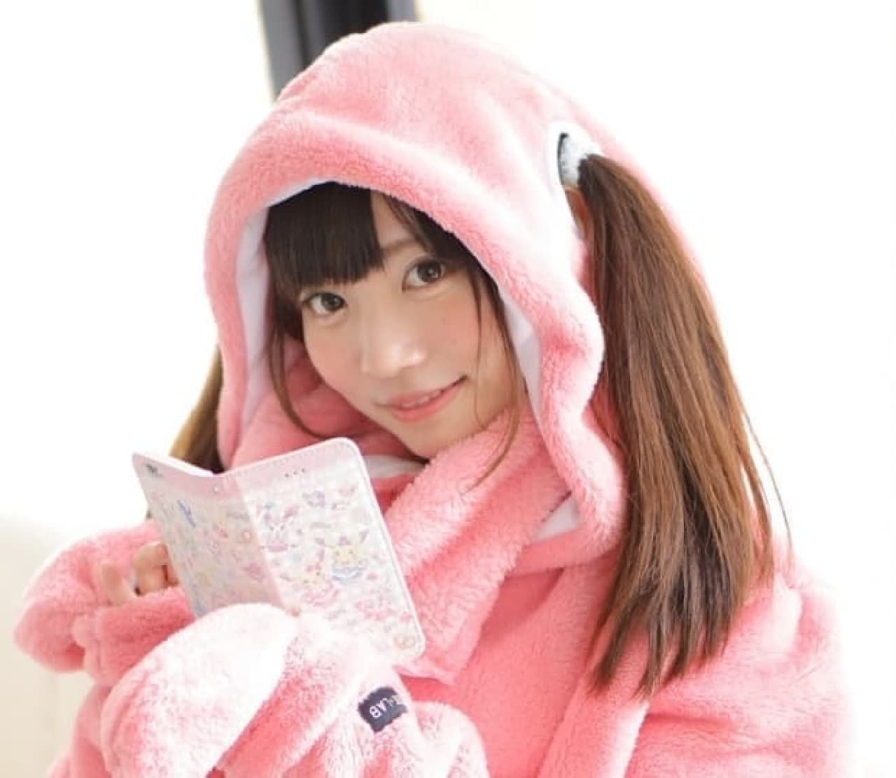 ヒト型着る毛布の最新作「ニュータイプ着る毛布 ダメ着(ダメギ)」