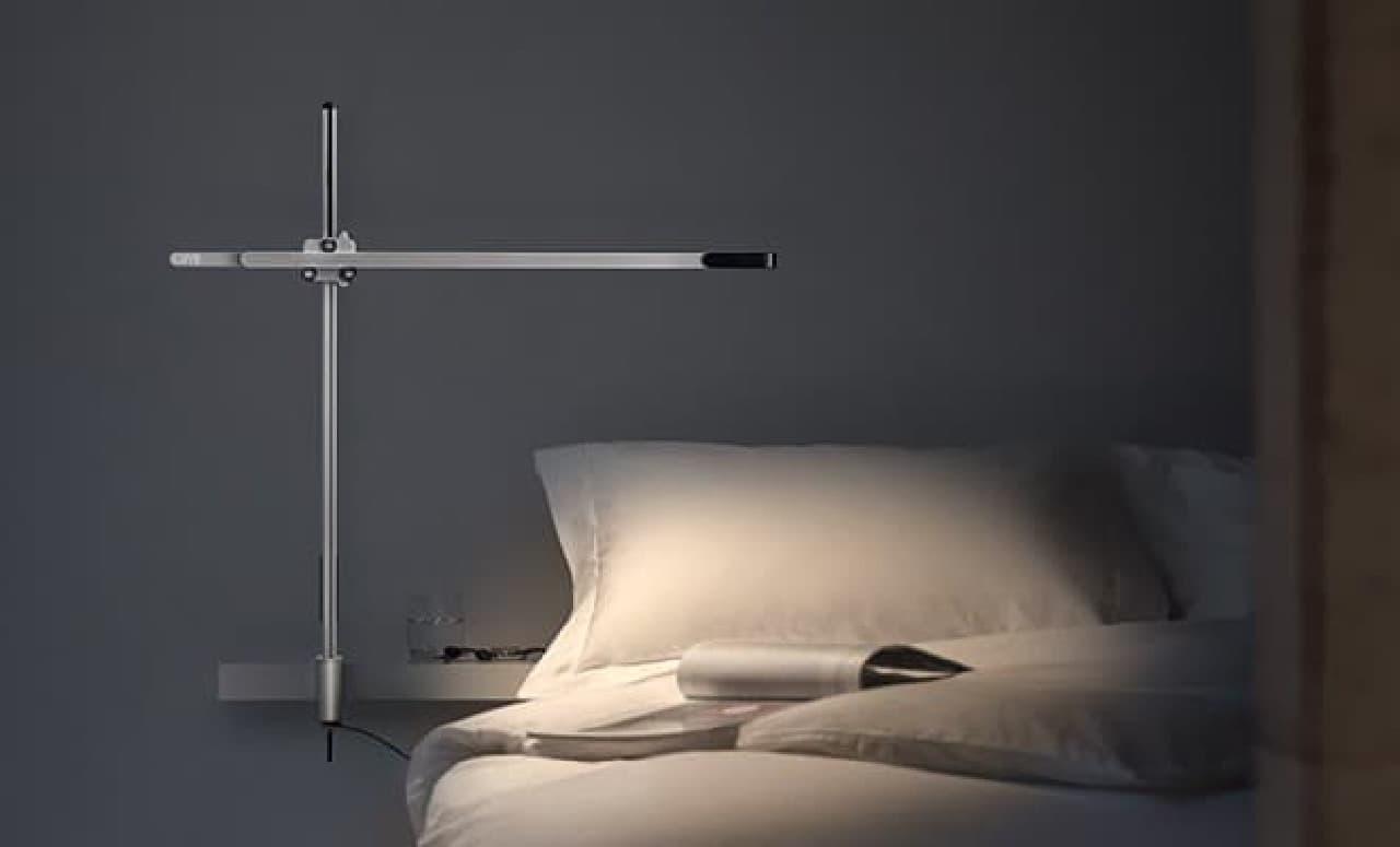 ダイソン白色照明タスクライト「CSYS 4K」
