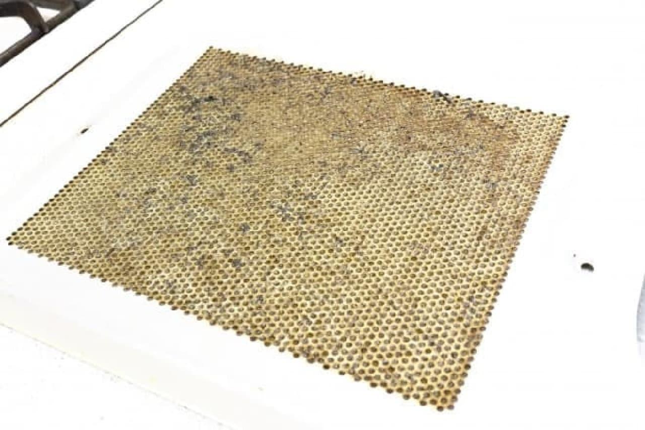 重曹を使って換気扇カバーの掃除