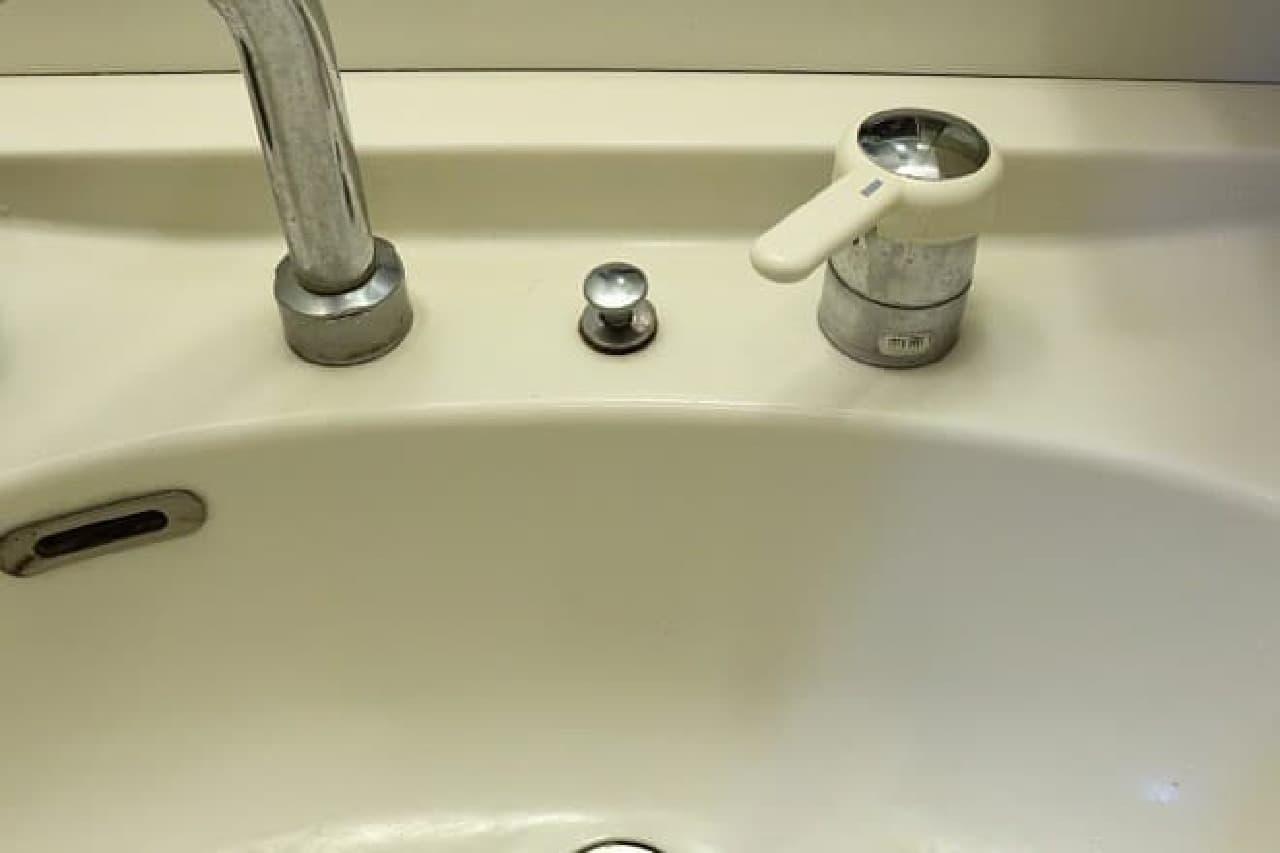 洗面台の拭き掃除
