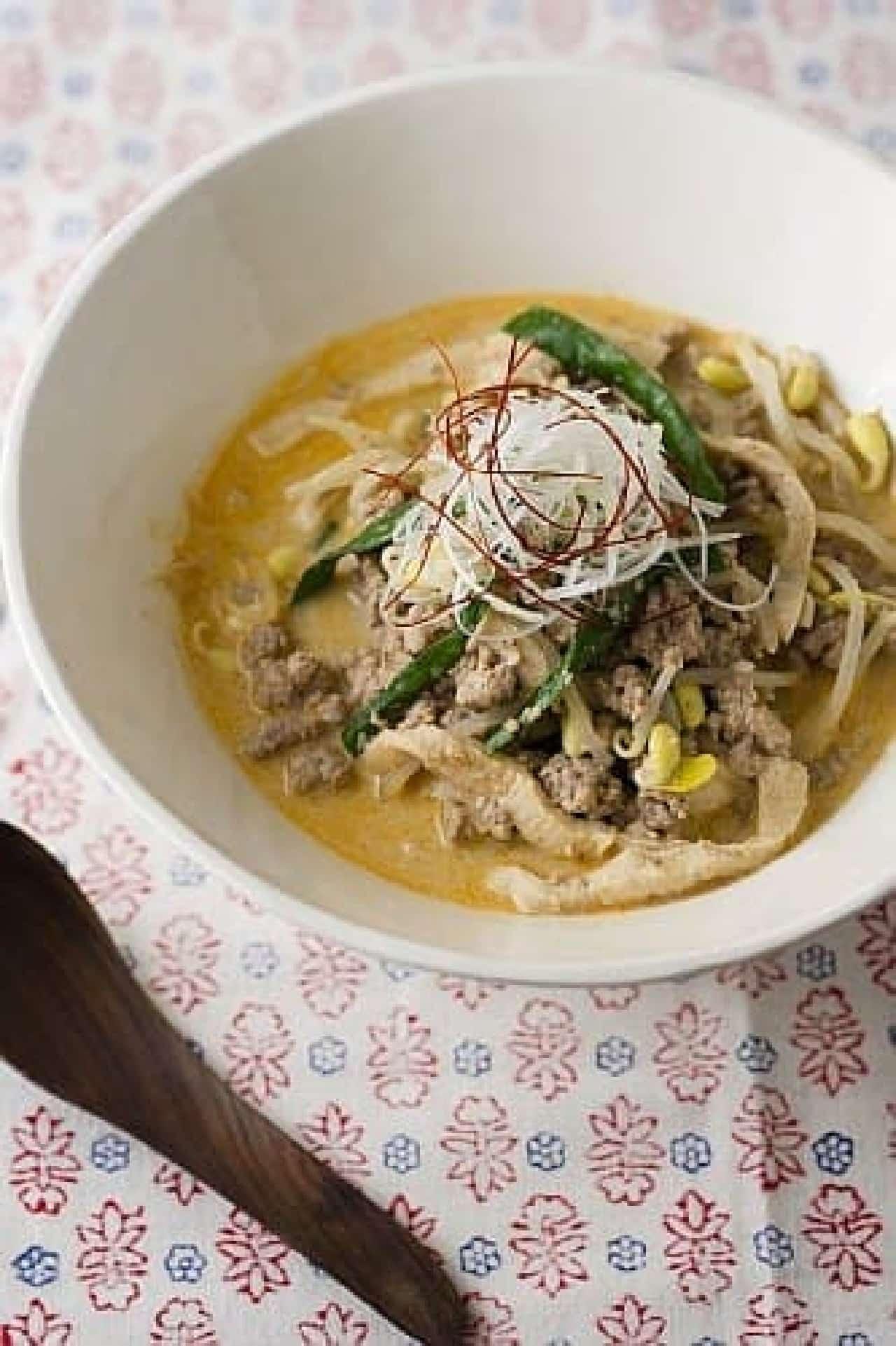 高野どうふの坦々麺