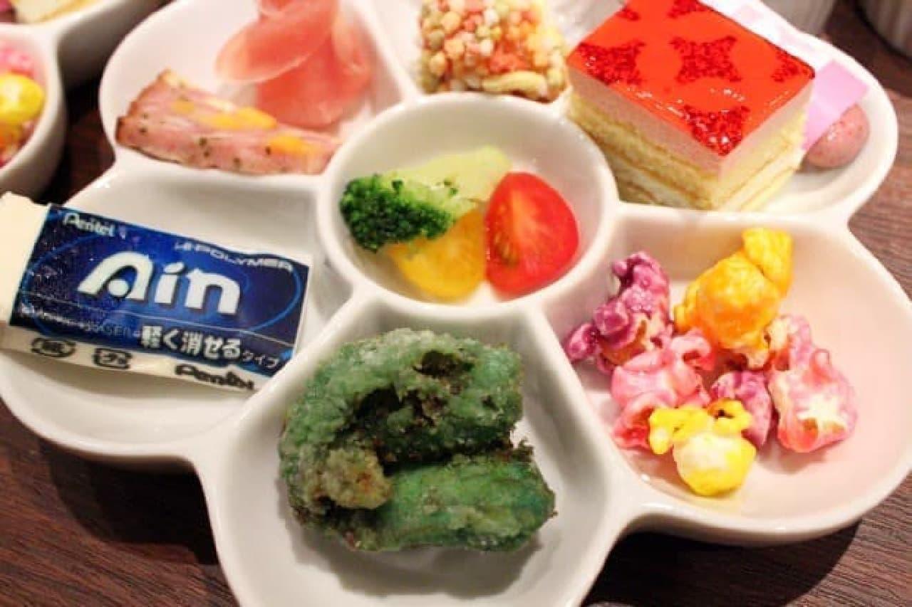 ぺんてる「GINZA RAKUGAKI Cafe&Bar by Pentel」