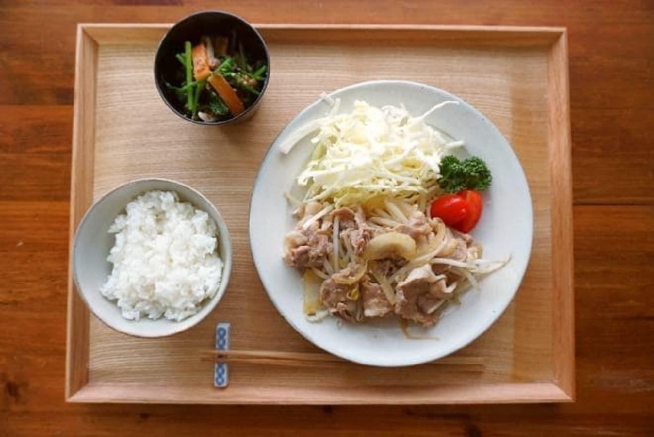 キットオイシックス「続・深夜食堂の味 飯島さん焼肉定食/3種野菜のごまおかか浸し」