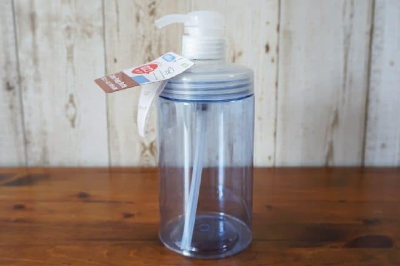 100均の詰め替え袋ごと入るポンプボトル