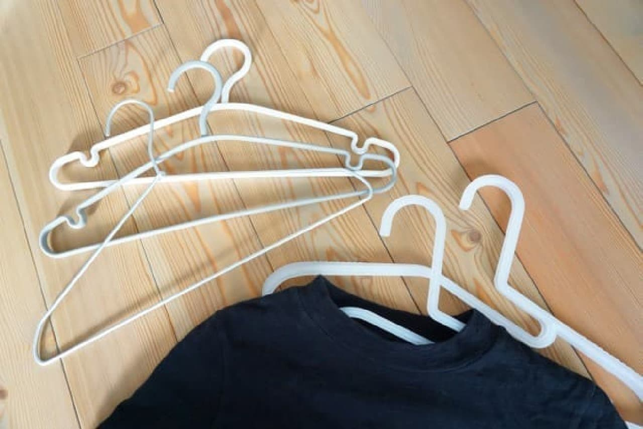セリアの衣類用ハンガー