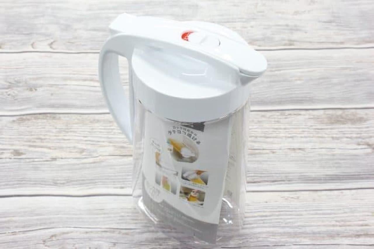 ニトリの横置きできて洗いやすいポット「タテヨコ兼用ワンプッシュ冷水筒」