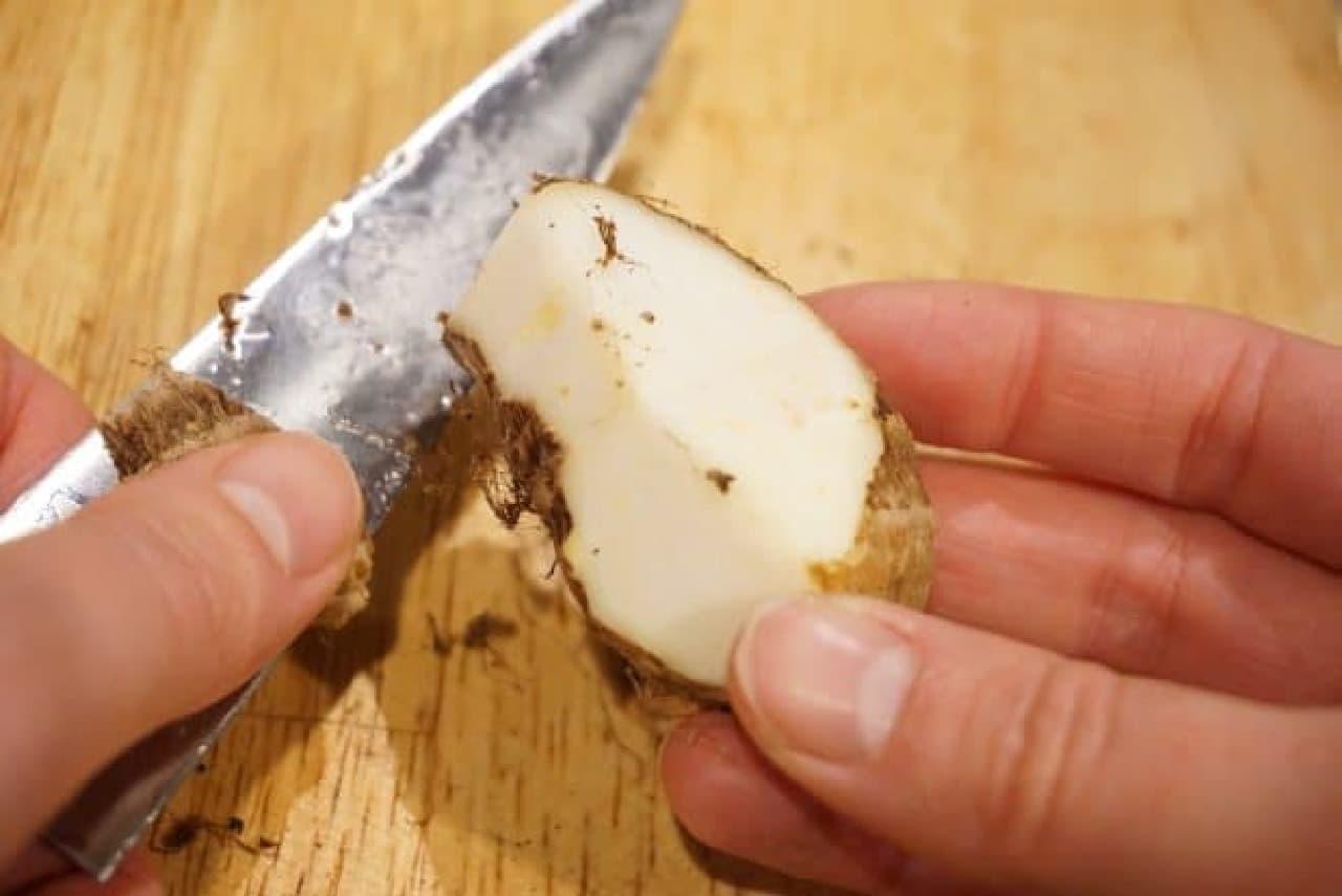 里芋の皮をつるんとむく方法