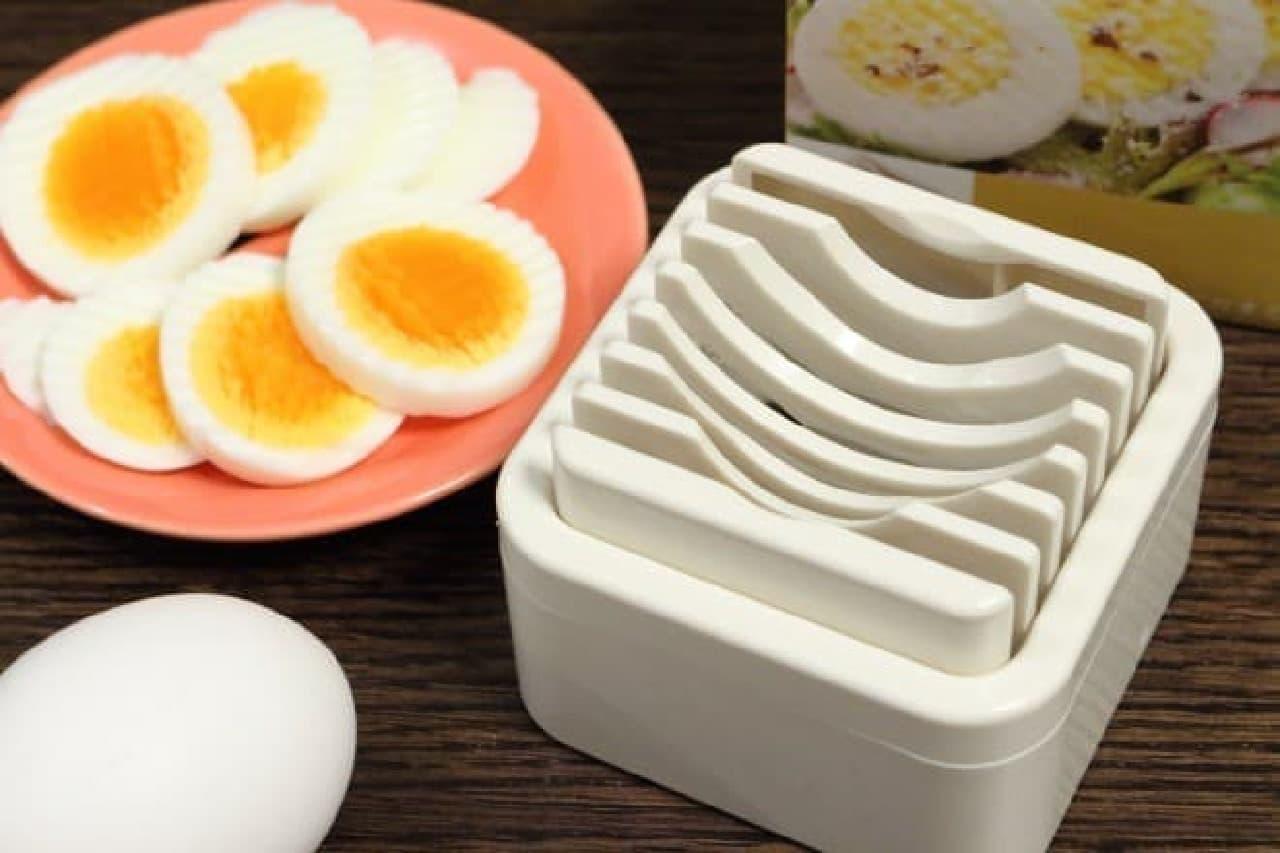 ゆで卵を簡単にぎざぎざに切れるカッター「波型カットのゆでたまご」