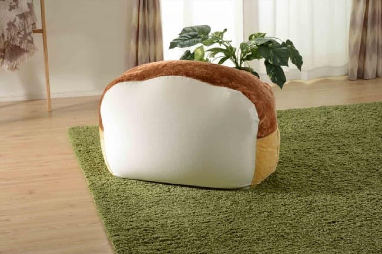 食パン型のビーズクッションがヴィレヴァンに