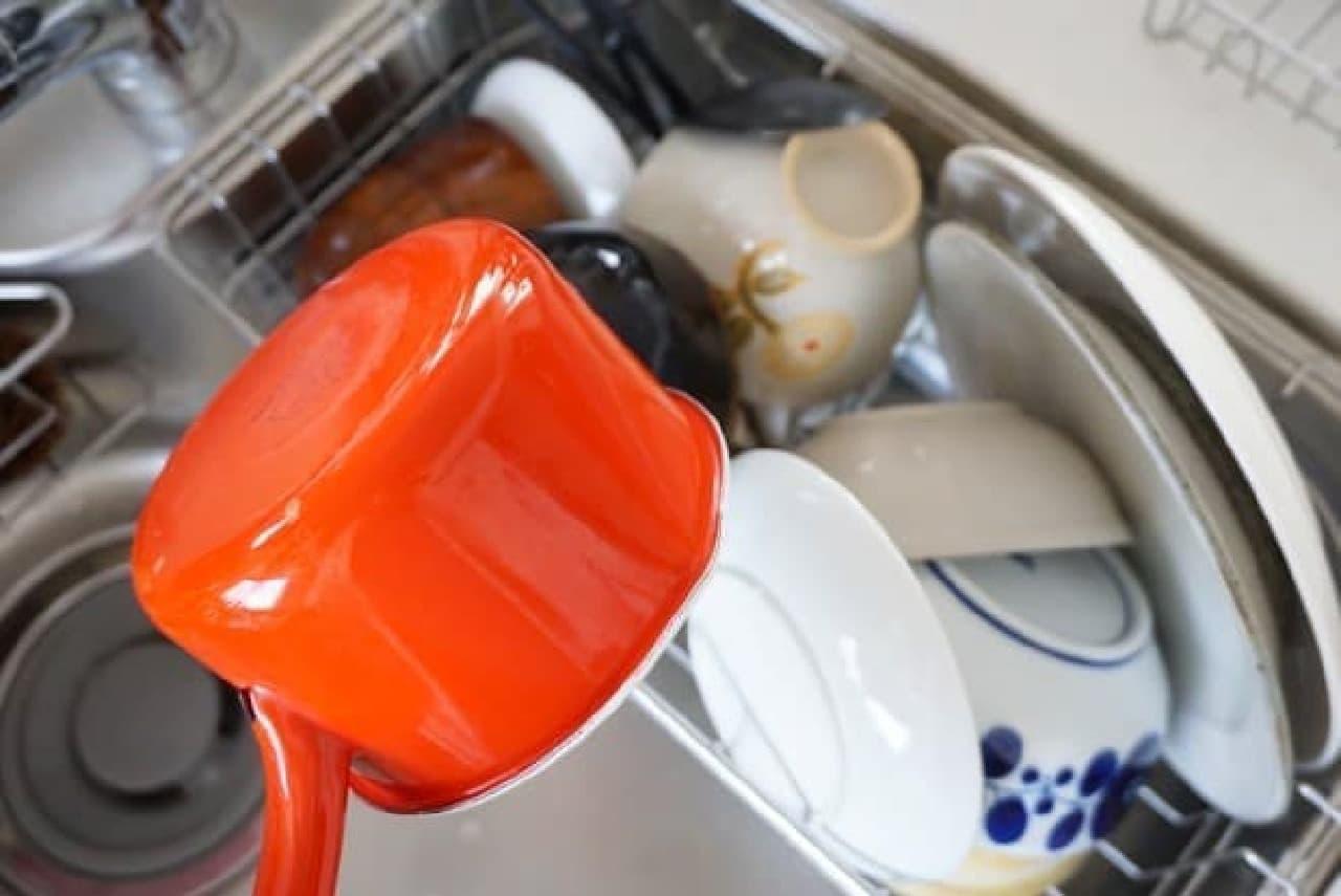 ダイソー「水切り&お皿スタンド」