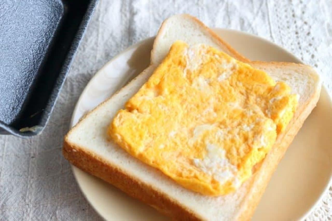 食パンにちょうどのる卵焼きができる卵焼き器「ちっちゃい玉子焼パン」