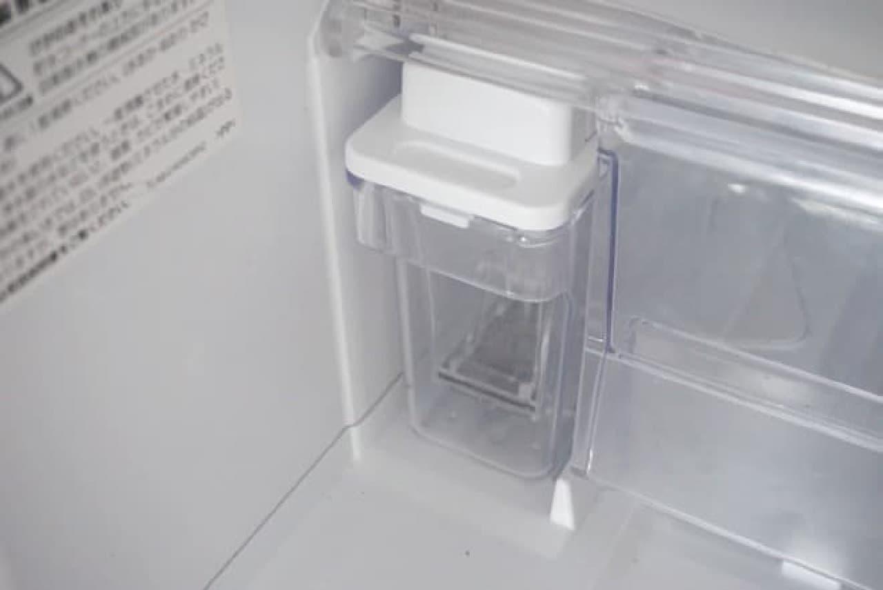 自動製氷機の給水タンク