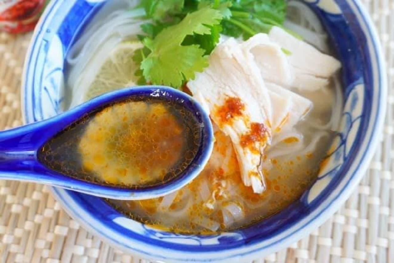 コストコ「サテ・トム ベトナム風 食べるラー油」