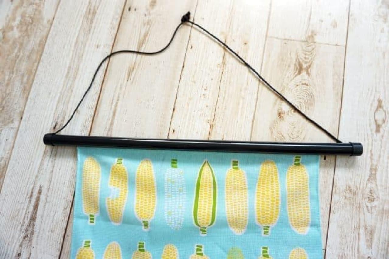 吊り下げ用の糸も付属