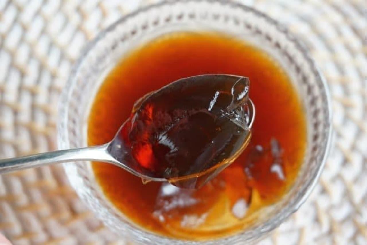 「さらさら健康ミネラルむぎ茶」の麦茶ゼリー
