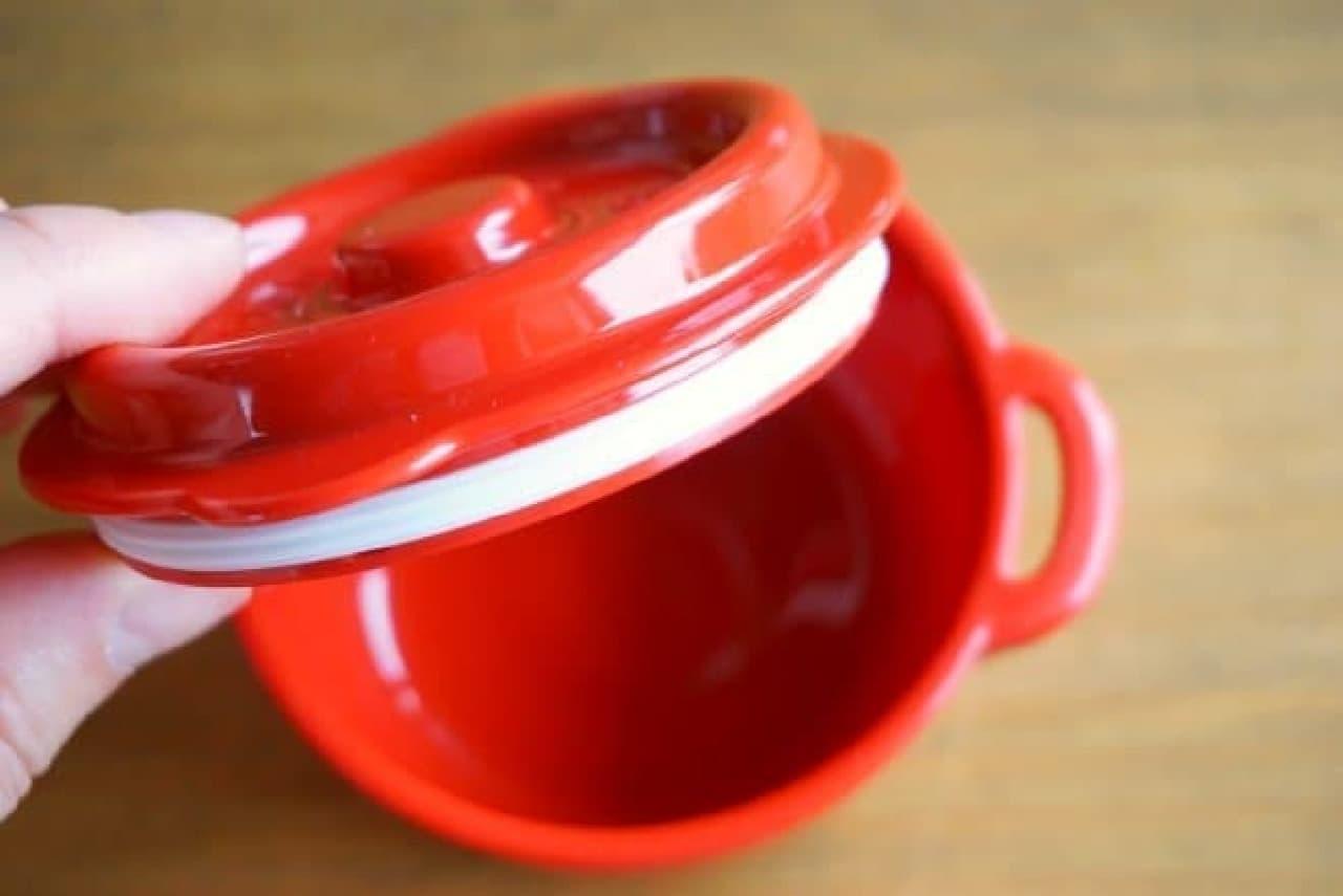 ストウブの鋳物ホーロー鍋