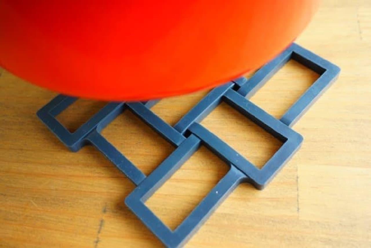 ニトリ「マグネット鍋敷き」