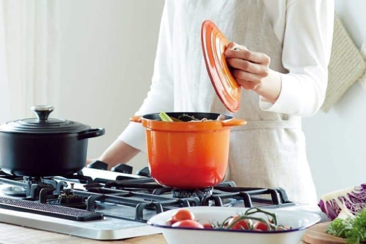 ル・クルーゼ「Simple Cooking (シンプルクッキング)」