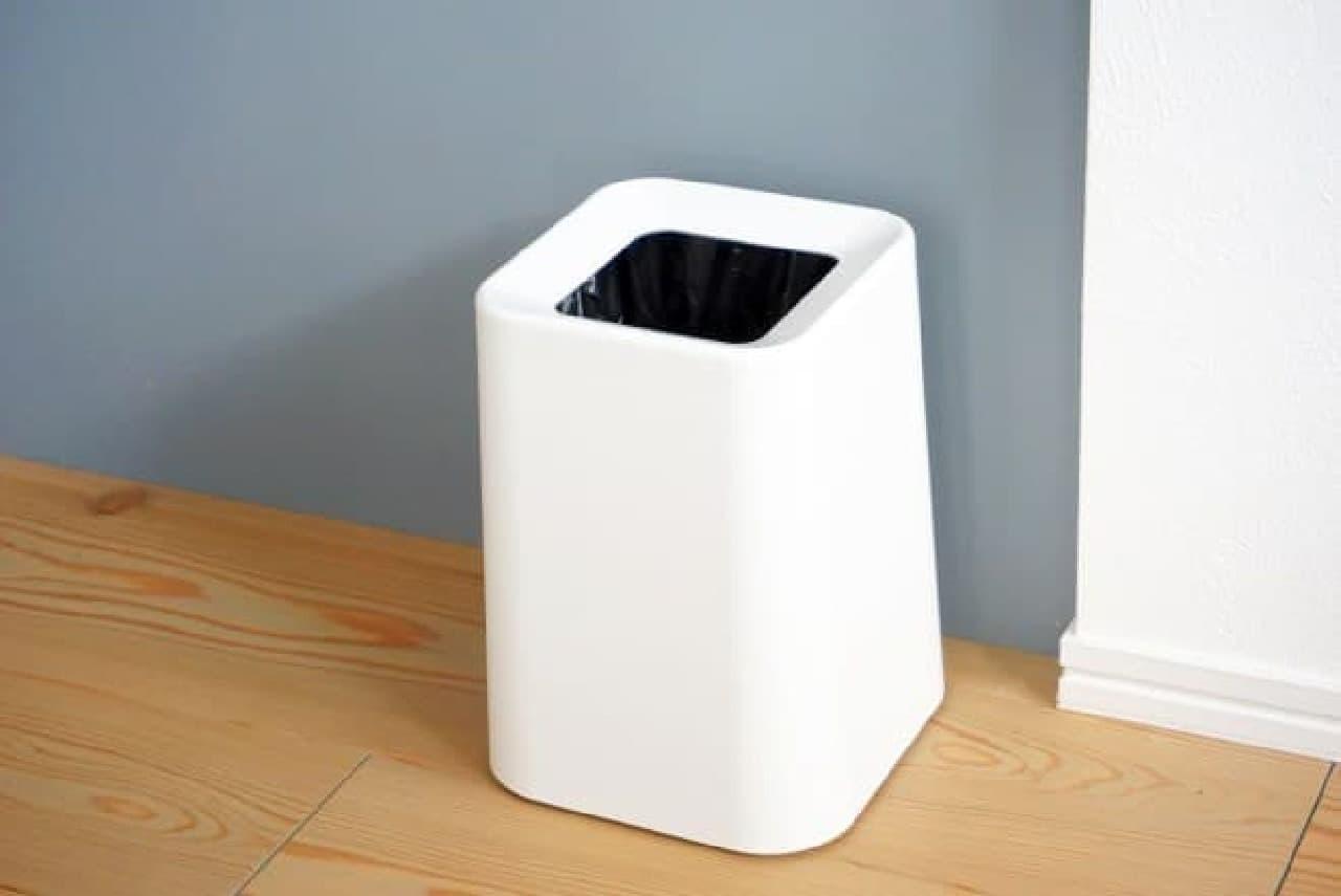 ニトリ「ゴミ袋が見えにくいダストボックス」