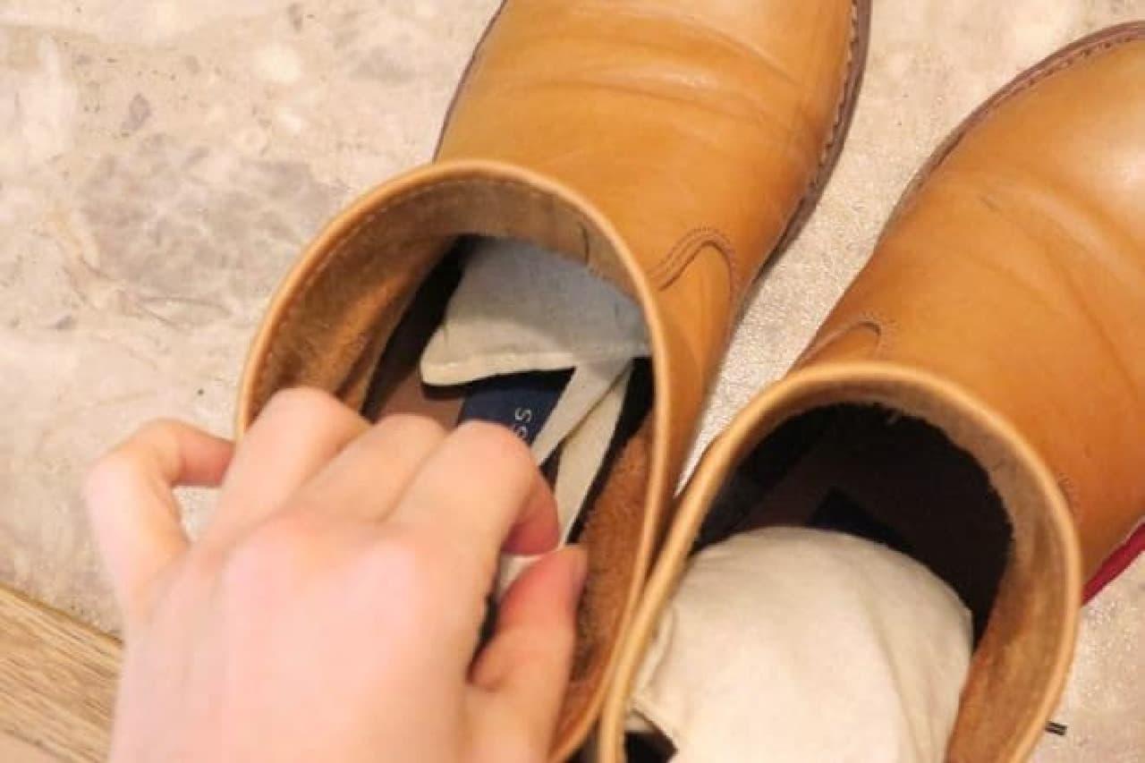 100均 靴ケアアイテム