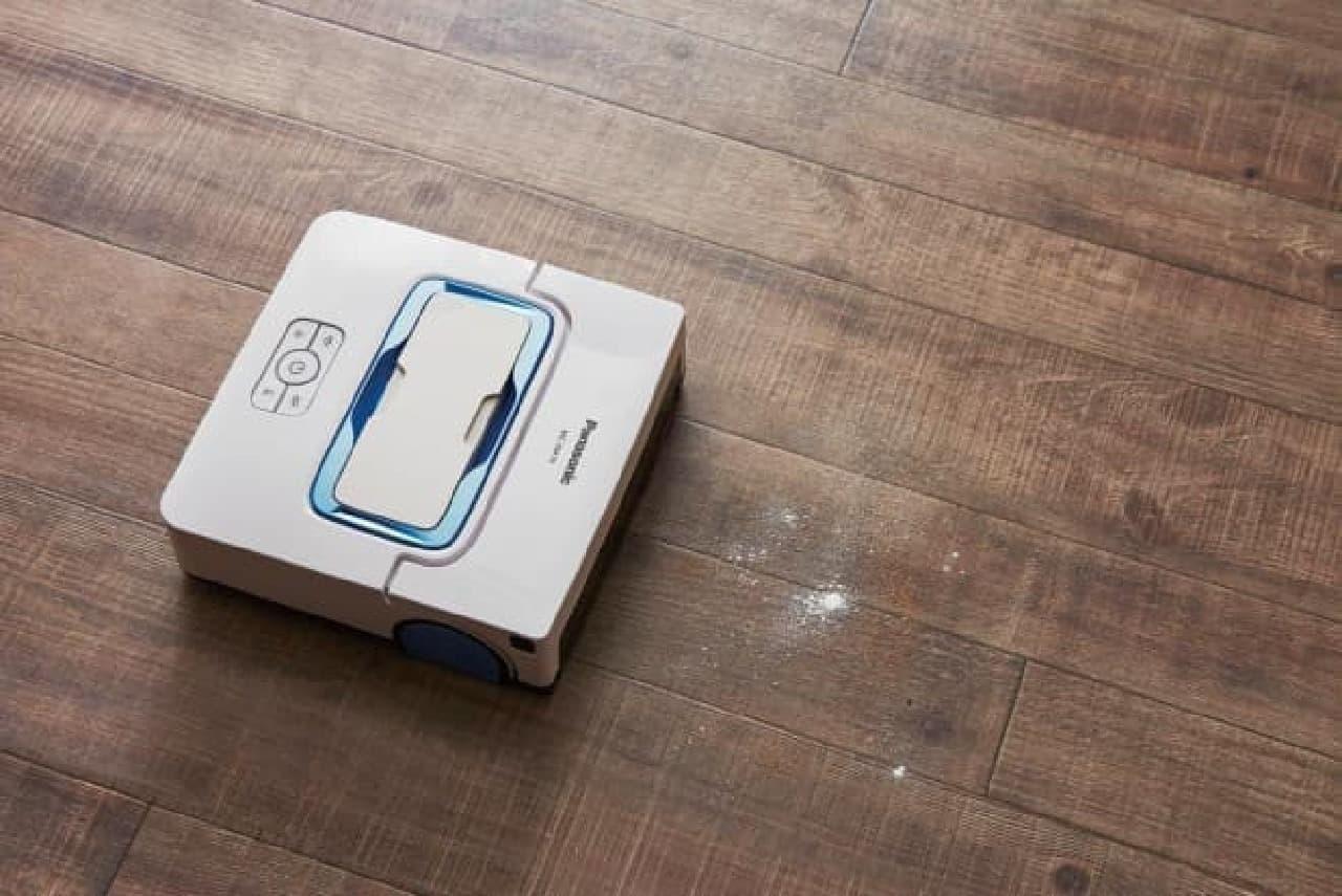 パナソニック床拭きロボット掃除機「Rollan MC-RM10」