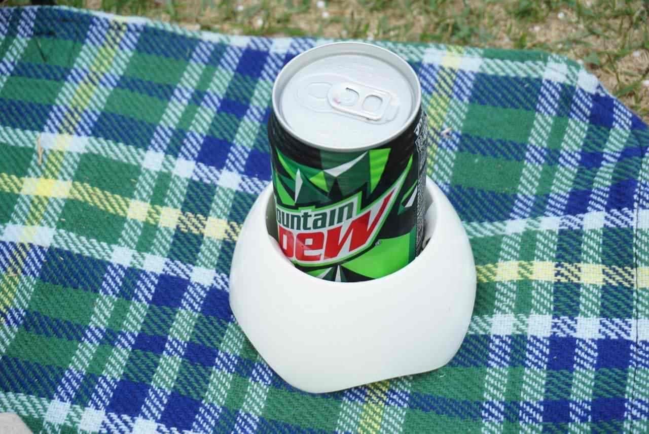 セリア「倒れにくい缶スタンド」