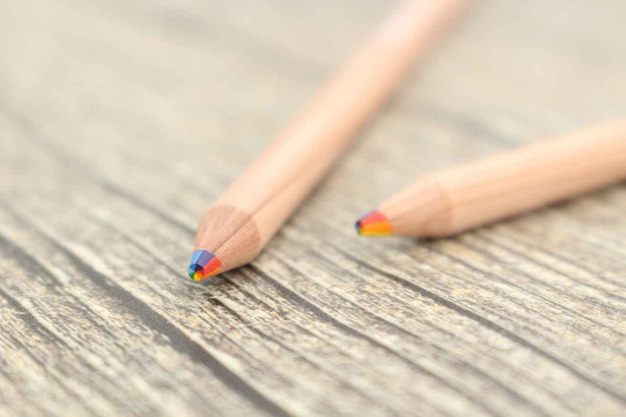 ダイソー 虹色鉛筆