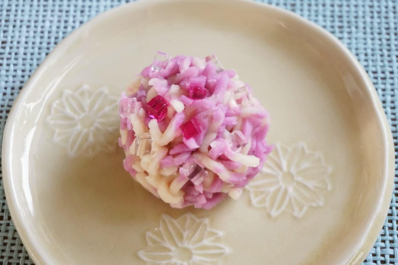 とらやの紫陽花和菓子