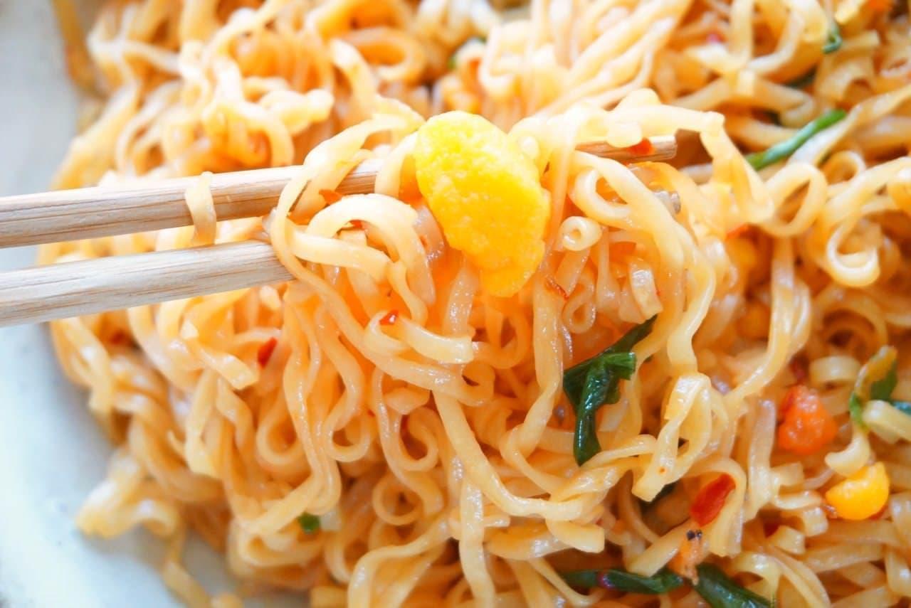日清食品「アジアン焼チキン 具付き3食パック」